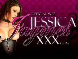 Seksowna Jessica Jaymes robi się napalona