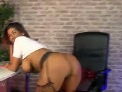 Estrela porno Sophia Mostre performances ao estilo de truques sujos