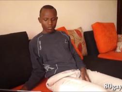 Africain gay gangbang dans la voiture