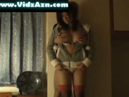 Grande breasted dona de casa em primeiro tempo anal