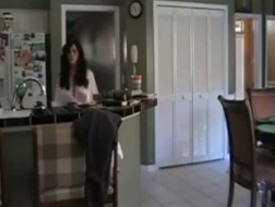 Catched her mom taking a piss
