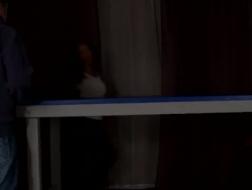 Reida masturberer forsiktig foran kamera og lager en fantastisk video med den