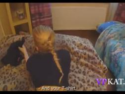 Ze neukt terwijl haar man weg is