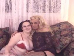 Estrella porno y músico pillados masturbándose