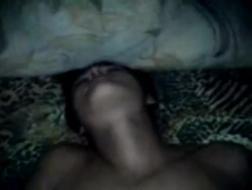 Индийская девушка с нетерпением ждет, когда ее рот полон свежей спермы, после жесткого траха