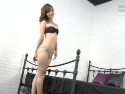La beauté sexy Tessa Taylor baise cette charmante masseuse