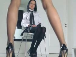 scorching schoolgirls posing herself in trousers