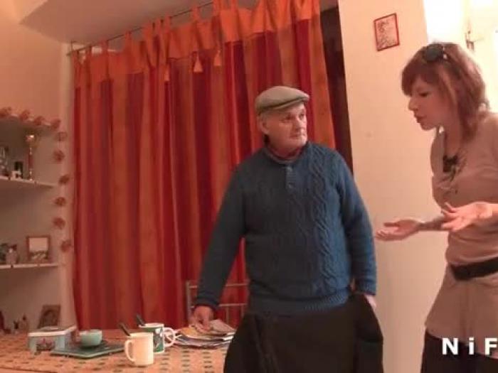 französisch Landstreicher in Dreier mit Papy Voyeur buggered