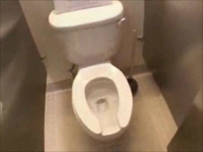 ideal böse Wucht rektale Arsch Badezimmer
