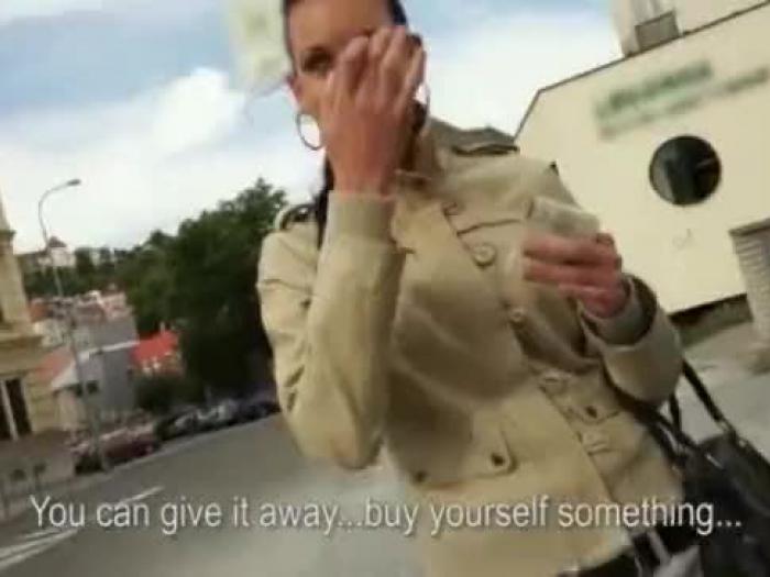 clave té Eurobabe muff embistió en público por una moneda