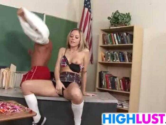 Кейт площадка мастурбация подростков игрушка