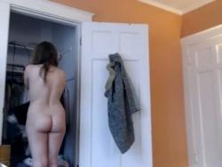 mi hija desnuda por Webcam en su cuarto