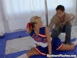 blondie cheerleader ofegante no disco on-